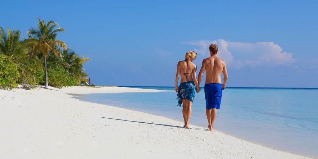 Strand på Kuredu Maldiverna